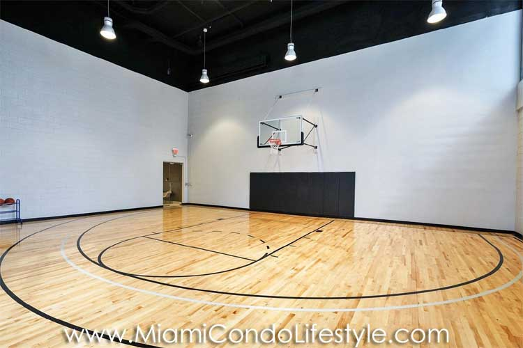 1010 Brickell Basketball Court
