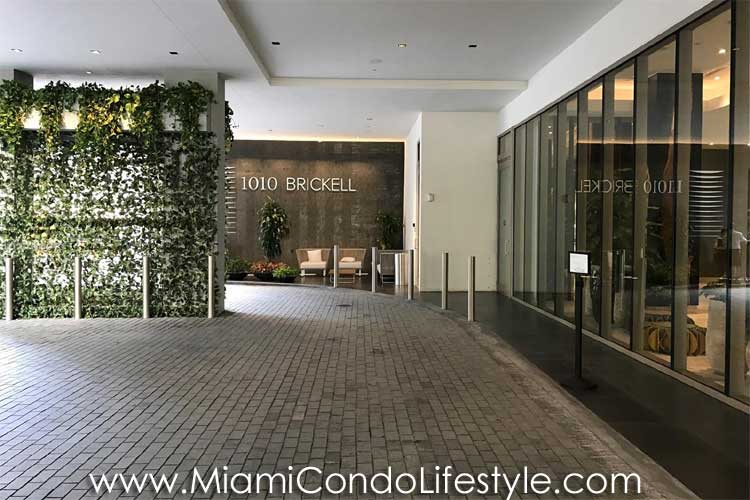 1010 Brickell Entry