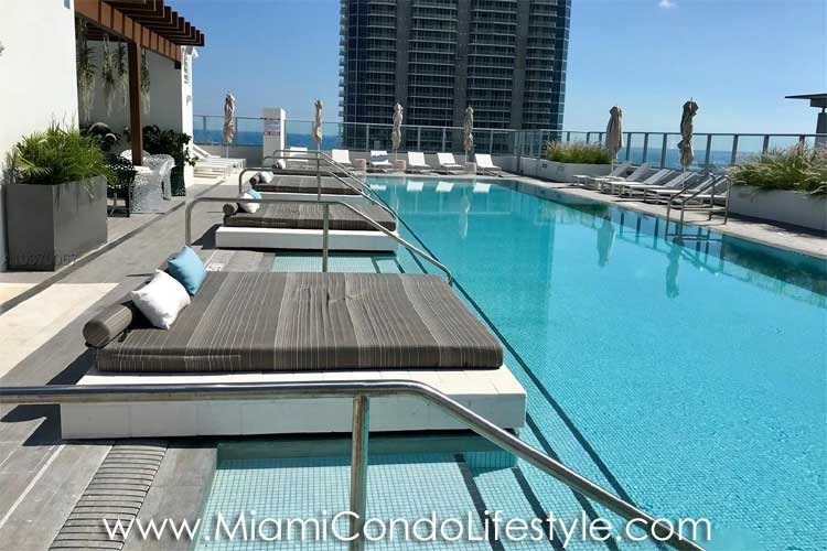 1010 Brickell Pool