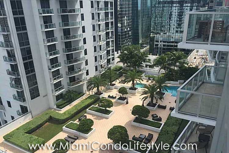 1060 Brickell Avenue Deck