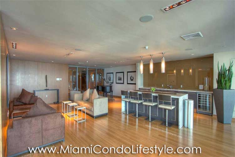 900 Biscayne Bay Casa Club