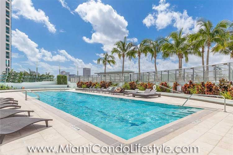 900 Biscayne Bay Swimming Pool
