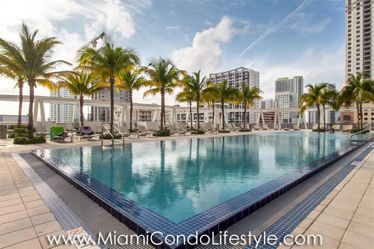Axis on Brickell Pool