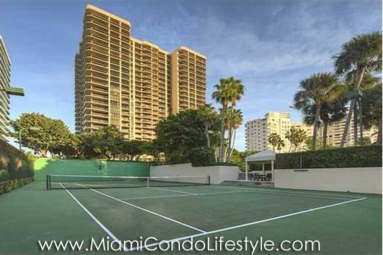 Bal Harbour Tower Tenis
