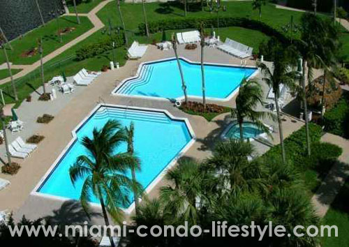 Biscayne Cove Swimming Pool