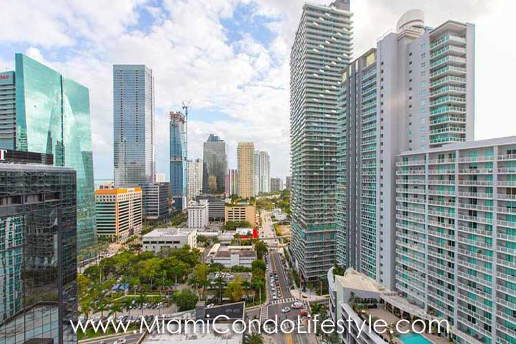 Bond Brickell View