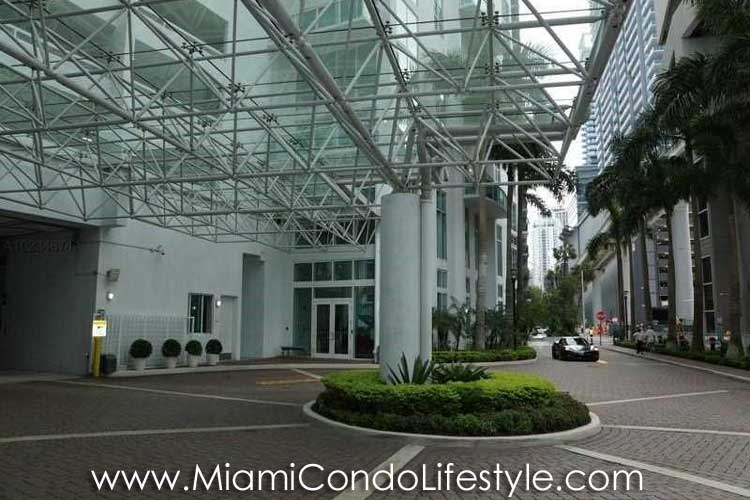 Brickell on the River South Entry