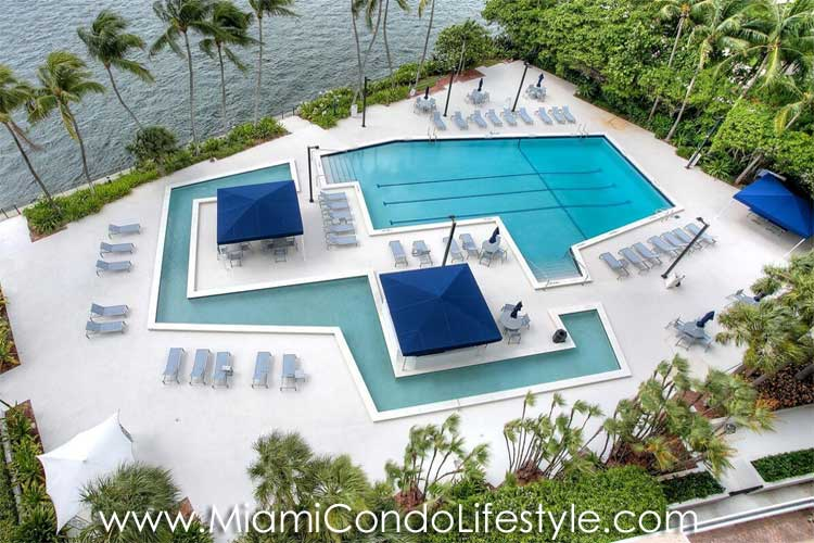 Brickell Bay Club Piscina