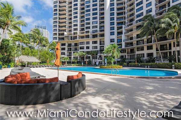 Brickell Key II Piscina