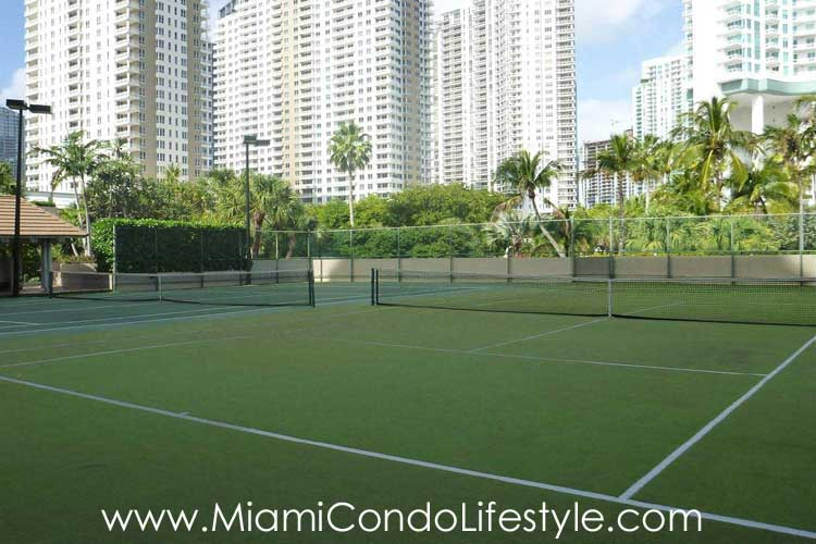 Brickell Key One Tenis
