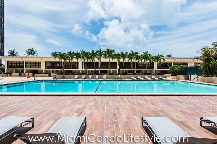 Brickell Place Swimming Pool