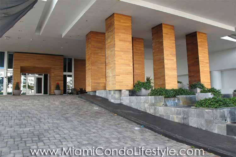 Carillon Miami Beach Entrada