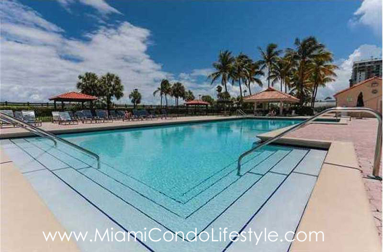 Club atlantis condos for sale 2555 collins avenue miami for Atlantis pools