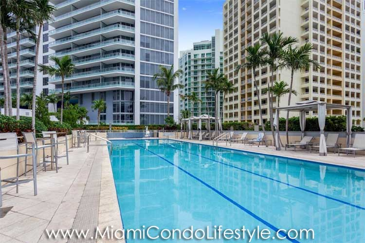 Conrad Miami Swimming Pool