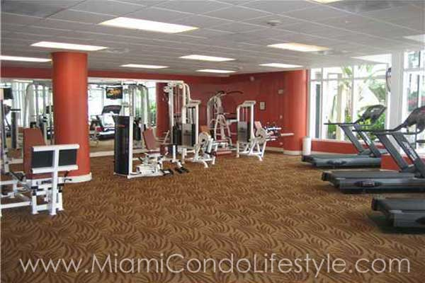 Courts at Brickell Key Gimnasio