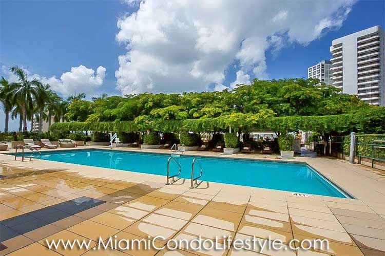 Four Seasons Brickell Pool