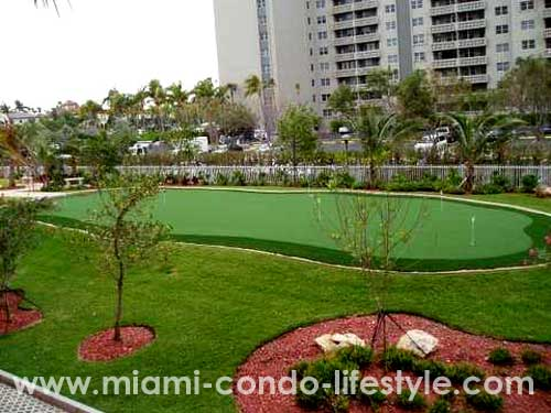 Gables Club Tower I Putting Green