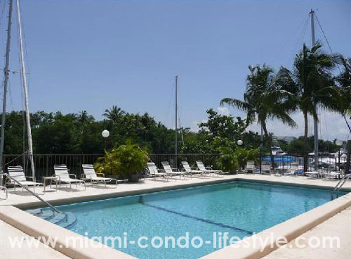 Gables Harbour Piscina