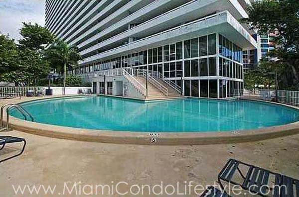 Imperial at Brickell Piscina