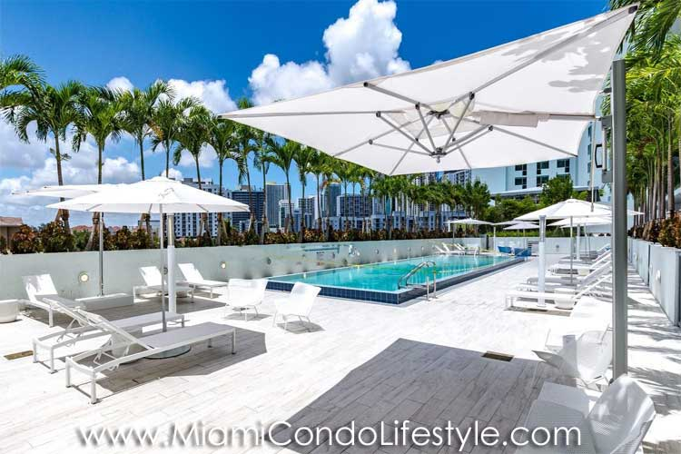 Le Parc at Brickell Pool