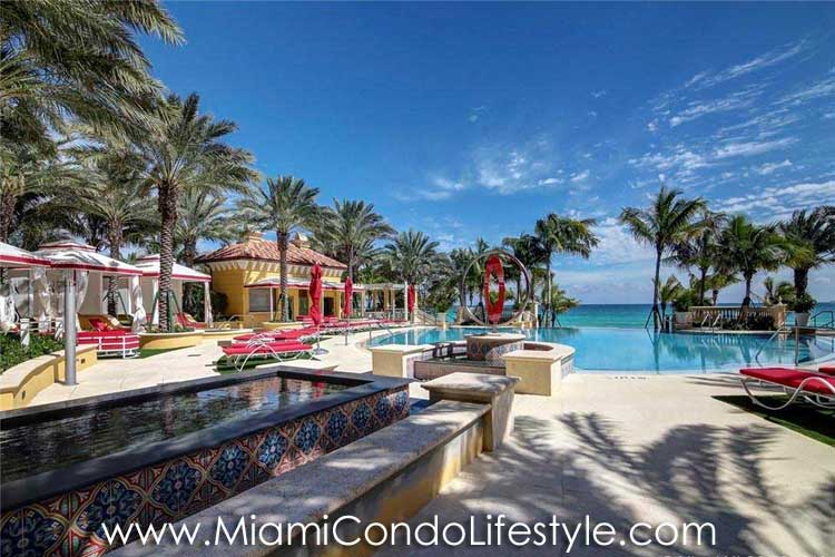 Mansions at Acqualina Piscina