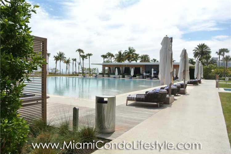 Oceana Key Biscayne Pool