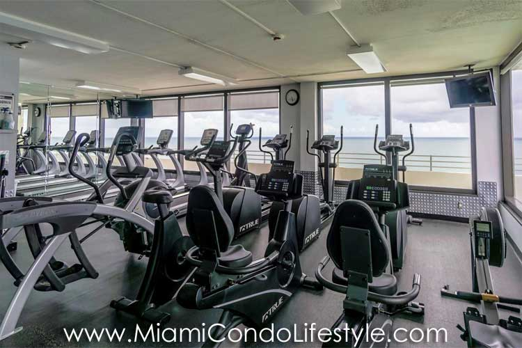 Oceanside Plaza Gimnasio