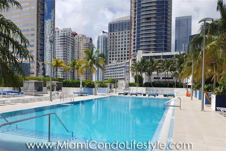 Plaza on Brickell Swimming Pool