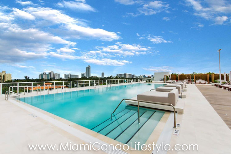 Ritz Carlton Miami Beach Pool
