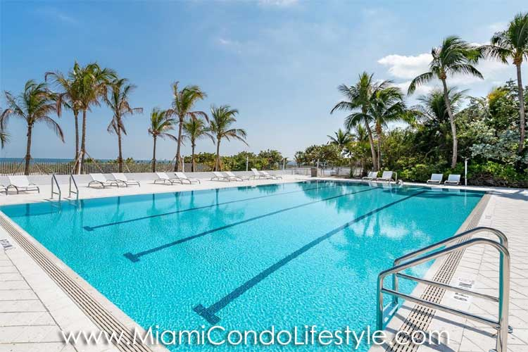 Sands of Key Biscayne Swimming Pool