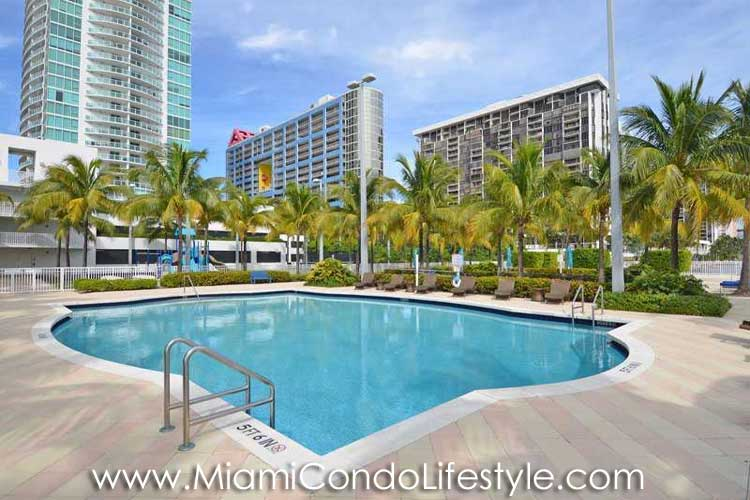 Skyline on Brickell Pool