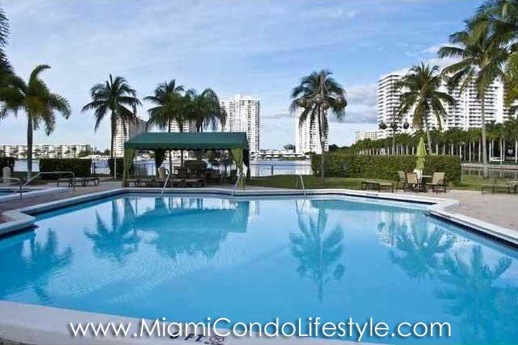 Biscayne Cove Pool