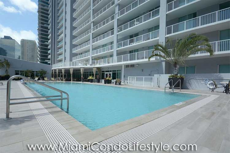 Vue at Brickell Pool
