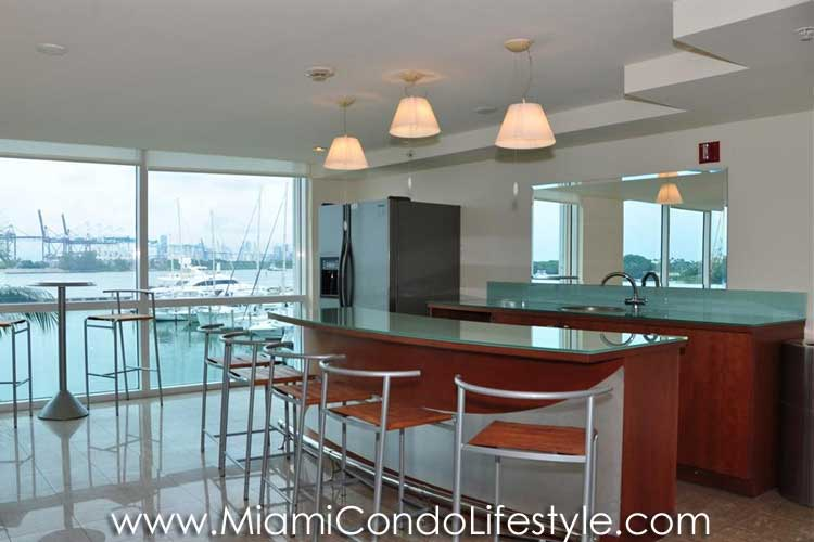 Yacht Club at Aventura Clubroom