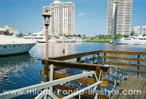 Yacht Club at Aventura Deck